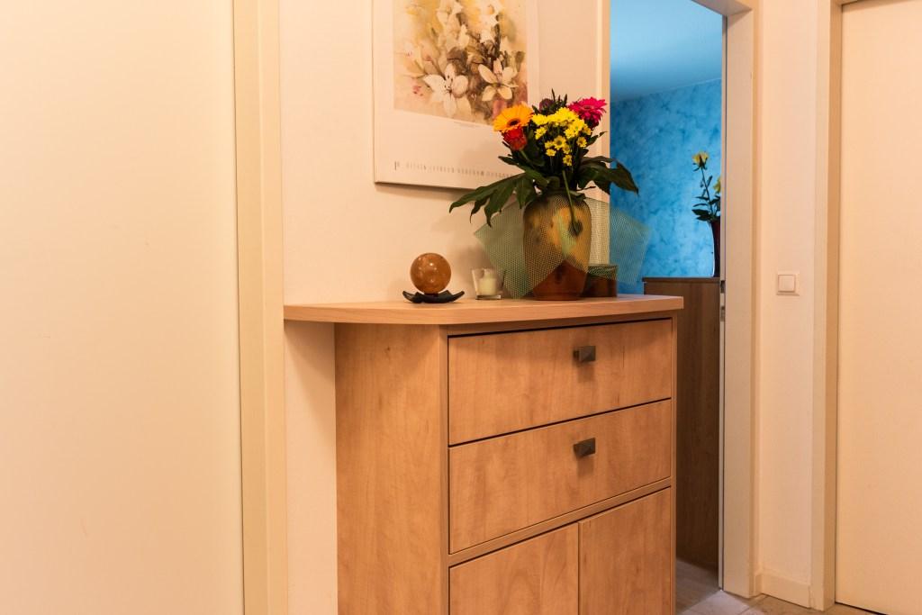 vorstau raum wohnen holz. Black Bedroom Furniture Sets. Home Design Ideas